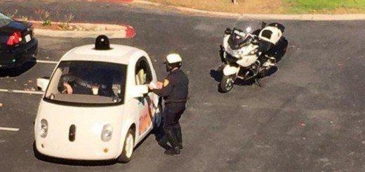 Velocità eccessivamente bassa: e viene multata la Google Car