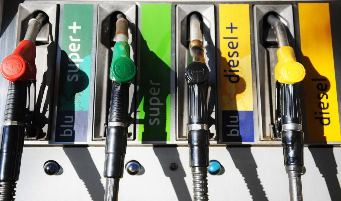 Risultati immagini per immagini carburante diesel
